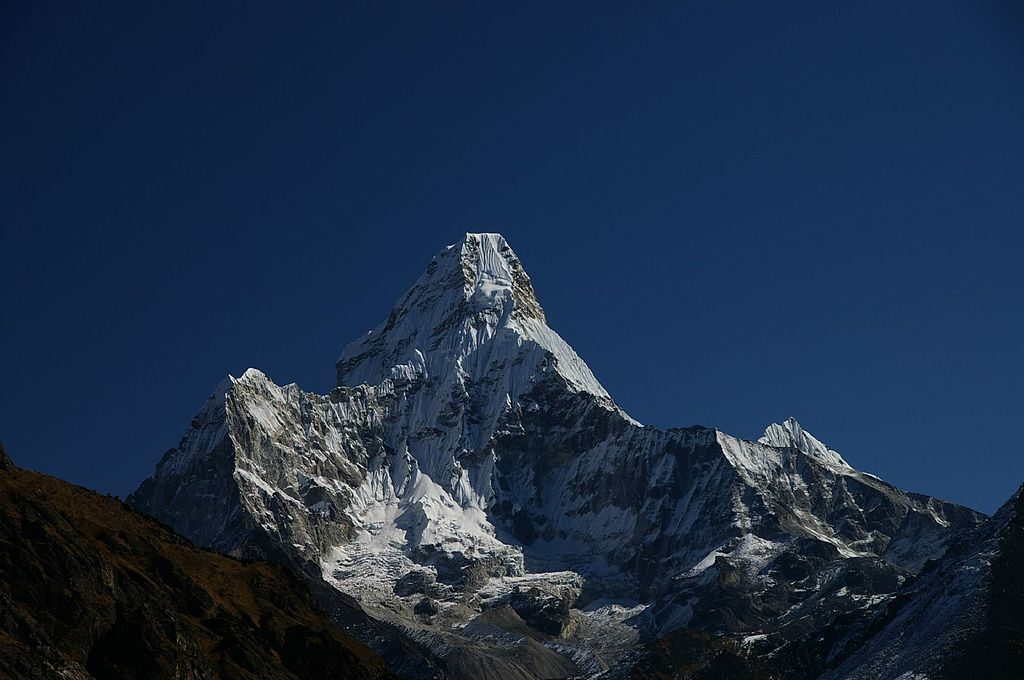 Ama Dablam Mountain Photo By Ben Tubby [CC BY 2.0 (http://creativecommons.org/licenses/by/2.0)], via Wikimedia Commons